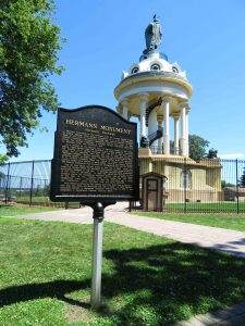 Hermann Heights Monument
